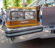 Μπροστινός προβολέας του αυτοκινήτου Cadillac στην επίδειξη των αυτοκινήτων Retrofest συλλογής Στοκ φωτογραφία με δικαίωμα ελεύθερης χρήσης