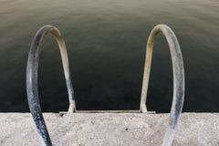 Μπροστινός πυροβολισμός του σκαλοπατιού θάλασσας για τη δημόσια χρήση Στοκ εικόνες με δικαίωμα ελεύθερης χρήσης