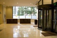 Μπροστινό γραφείο λόμπι ξενοδοχείων πολυτελείας Στοκ Φωτογραφίες