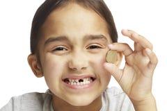 μπροστινό ελλείπον δόντι κοριτσιών Στοκ φωτογραφία με δικαίωμα ελεύθερης χρήσης