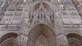 Μπροστινό εξωτερικό καθεδρικών ναών στο Ρουέν, Νορμανδία Γαλλία, ΚΛΙΣΗ φιλμ μικρού μήκους