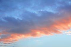 μπροστινό ηλιοβασίλεμα ουρανού σύννεφων Στοκ φωτογραφία με δικαίωμα ελεύθερης χρήσης
