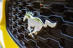 2017 μπροστινό διακριτικό μάστανγκ της Ford Στοκ Εικόνες