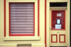 μπροστινό κόκκινο κατάστημ& Στοκ Εικόνες