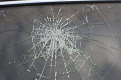Μπροστινό παράθυρο το αυτοκίνητο που συντρίβεται Στοκ Φωτογραφίες