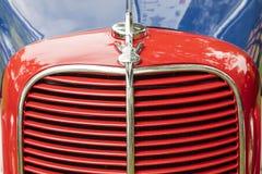 Μπροστινό χρωματισμένο κάγκελα χρώμιο v8 φορτηγών 1937 επιτροπής της Ford στοκ φωτογραφίες με δικαίωμα ελεύθερης χρήσης