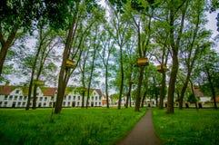 ΜΠΡΥΖ, ΒΕΛΓΙΟ - 11 ΑΥΓΟΎΣΤΟΥ 2015: Πράσινη περιοχή πάρκων Στοκ φωτογραφία με δικαίωμα ελεύθερης χρήσης