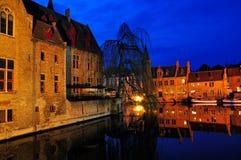 Μπρυζ τή νύχτα, Βέλγιο Στοκ Φωτογραφία