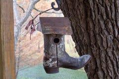 Μπότα Birdhouse κάουμποϋ Στοκ εικόνα με δικαίωμα ελεύθερης χρήσης