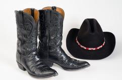 Μπότες κάουμποϋ και καπέλο κάουμποϋ. Στοκ εικόνες με δικαίωμα ελεύθερης χρήσης