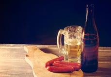 Μπύρα και πρόχειρο φαγητό μπύρας Στοκ Εικόνες