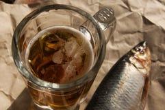 Μπύρα και πρόχειρο φαγητό στην μπύρα Στοκ Εικόνα