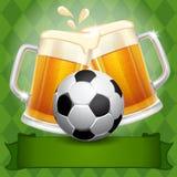 Μπύρα και σφαίρα ποδοσφαίρου ελεύθερη απεικόνιση δικαιώματος