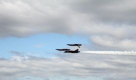 Μπλε άγγελοι 2 επάνω 2 κάτω Στοκ φωτογραφίες με δικαίωμα ελεύθερης χρήσης