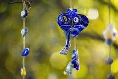 Μπλε ένωση φυλακτών σε ένα δέντρο Στοκ φωτογραφίες με δικαίωμα ελεύθερης χρήσης