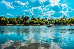 Μπλε λίμνη Στοκ Εικόνες