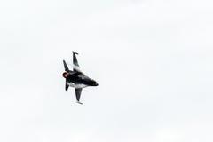 Μπλε αεριωθούμενο αεροπλάνο αγγέλων στον ουρανό Στοκ Φωτογραφίες