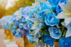 Μπλε ανθοδέσμη των τεχνητών λουλουδιών Στοκ Εικόνες