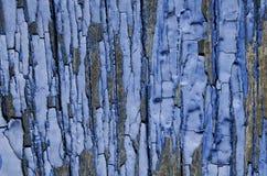 μπλε αποφλοίωση χρωμάτων από τους ξύλινους πίνακες Στοκ Εικόνες