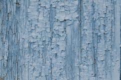 Μπλε αποφλοίωση χρωμάτων στο ξύλο Στοκ Εικόνες