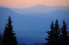 μπλε βουνά στοκ εικόνα με δικαίωμα ελεύθερης χρήσης