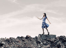 μπλε γυναίκα φορεμάτων Στοκ Εικόνες