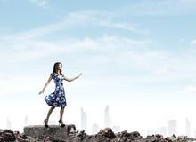 μπλε γυναίκα φορεμάτων Στοκ Φωτογραφίες