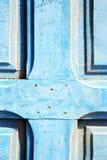 μπλε γδυμένο χρώμα το καρφί στοκ εικόνες με δικαίωμα ελεύθερης χρήσης