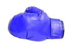 Μπλε εγκιβωτίζοντας γάντια στο λευκό Στοκ Εικόνες