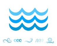 Μπλε εικονίδια κυμάτων θάλασσας ή υγρά σύμβολα νερού που απομονώνονται Στοκ Εικόνες
