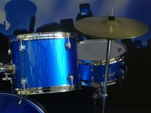 μπλε εξάρτηση τυμπάνων Στοκ Φωτογραφίες