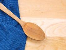 Μπλε ελεγμένη πετσέτα Στοκ φωτογραφίες με δικαίωμα ελεύθερης χρήσης