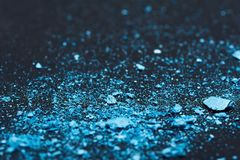 Μπλε θρυμματισμένα κομμάτια σκιάς ματιών Στοκ Εικόνες