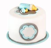 Μπλε κέικ γενεθλίων για το μωρό που απομονώνεται στο άσπρο υπόβαθρο Στοκ εικόνα με δικαίωμα ελεύθερης χρήσης