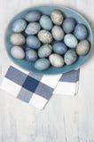Μπλε και γκρίζα αυγά Πάσχας Στοκ Φωτογραφία