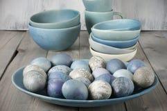 Μπλε και γκρίζα αυγά Πάσχας Στοκ εικόνες με δικαίωμα ελεύθερης χρήσης