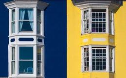 Μπλε και κίτρινα σπίτια στοκ φωτογραφίες με δικαίωμα ελεύθερης χρήσης