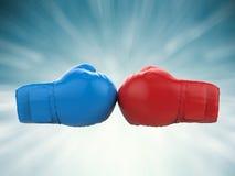 Μπλε και κόκκινα εγκιβωτίζοντας γάντια Στοκ Εικόνες