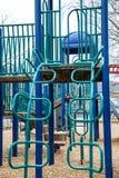 Μπλε και πράσινη παιδική χαρά το χειμώνα Στοκ φωτογραφία με δικαίωμα ελεύθερης χρήσης