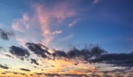 Μπλε και ρόδινος ουρανός Στοκ Φωτογραφία