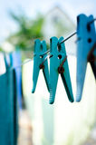 Μπλε καρφίτσα στο σχοινί Στοκ εικόνες με δικαίωμα ελεύθερης χρήσης