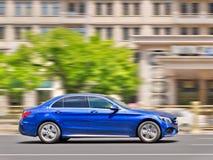 Μπλε κατηγορία Mercedes-benz Γ στο δρόμο, Πεκίνο, Κίνα Στοκ Εικόνες