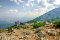 μπλε καλοκαίρι Ουκρανία ουρανού βουνών τοπίων της Κριμαίας βαθύ Στοκ Φωτογραφία