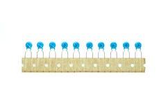 Μπλε κεραμική batch πυκνωτών Στοκ φωτογραφίες με δικαίωμα ελεύθερης χρήσης
