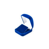 Μπλε κιβώτιο κοσμήματος που απομονώνεται στο λευκό Στοκ Εικόνες