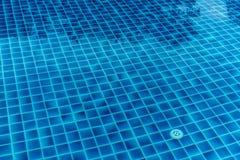 μπλε κολυμπώντας ύδωρ λι&m Στοκ φωτογραφία με δικαίωμα ελεύθερης χρήσης