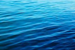 μπλε κύματα ύδατος Στοκ Εικόνα
