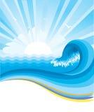 Μπλε κύμα στον ωκεάνιο ορίζοντα με το φως του ήλιου Στοκ εικόνα με δικαίωμα ελεύθερης χρήσης