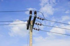 μπλε μετα ουρανός ηλεκτρικής ενέργειας Στοκ φωτογραφίες με δικαίωμα ελεύθερης χρήσης