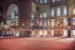 Μπλε μουσουλμανικό τέμενος και φω'τα στοκ φωτογραφία